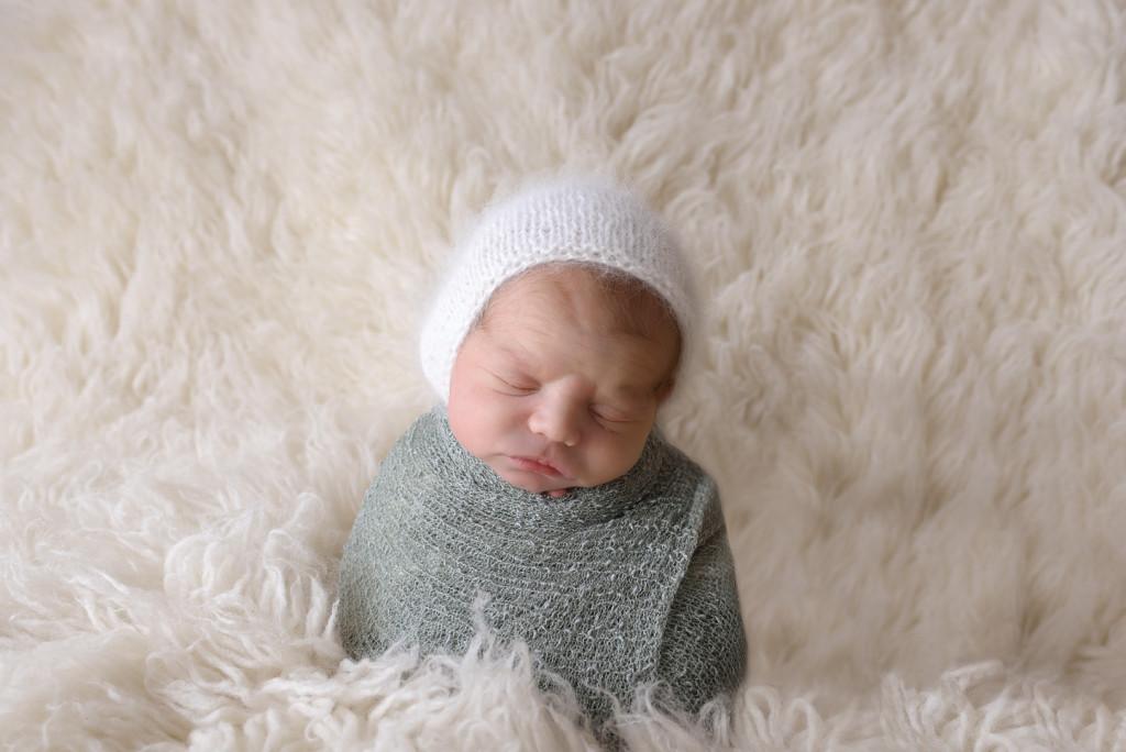 North of Pittsburgh Newborn Photographer